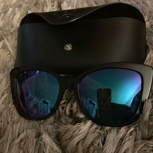 NEW Never Worn Diff Ruby - Blue Polarized
